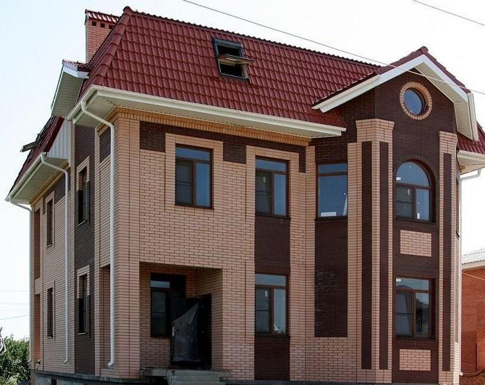 фасады домов из кирпича разного цвета фото придать