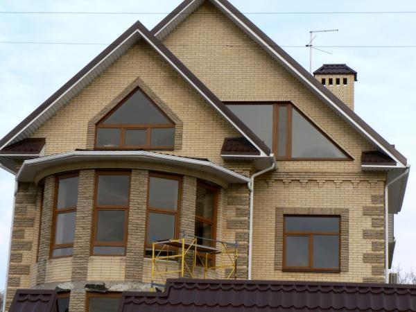 6. Красивое сочетание желтого и светло-коричневого оттенков в оформлении дома.jpg
